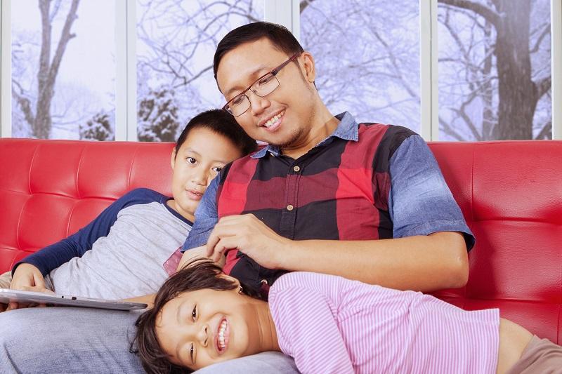 Toronto family indoors in winter